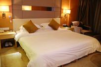 酒店大床房标间