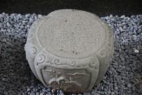 牡丹花纹石基座