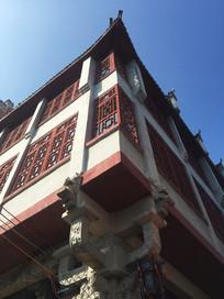 桂林大圩古镇红色古楼一角