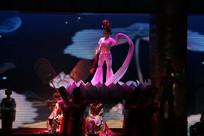 唐宫乐舞莲花台上舞蹈表演