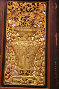 金漆木雕花瓶窗花