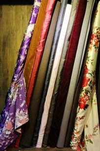 老式丝绸布匹店面