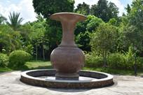 五象湖公园一角花瓶