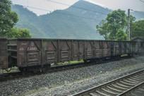 车厢与铁轨
