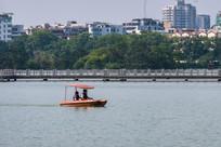 惠州西湖的小游艇