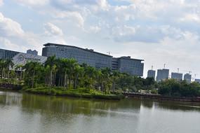 五象湖公园湖边建筑