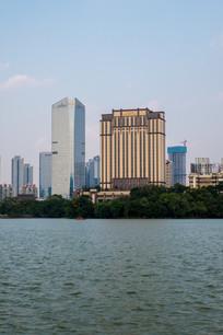 远眺惠州康帝酒店和富力酒店