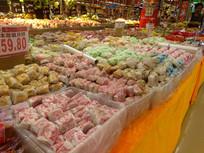 超市的月饼销售区