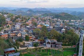 俯视青岩古镇