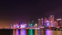 海边建筑夜景
