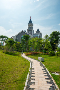 鹿江公园往教堂的路