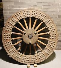 民间收藏的木头车轮