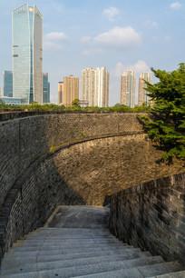 俯视惠州朝京门的台阶