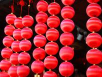 红色圆球装饰挂件