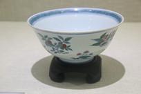清代仿成化斗彩花卉纹碗