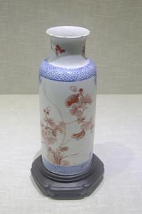 清代花卉纹棒槌瓶