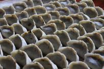 手工制作的形状水饺