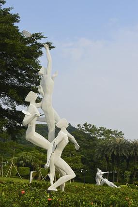 羽毛球运动员雕塑侧面图