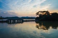 黄昏美景下的惠州西湖