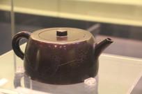 血石精雕梅花茶壶