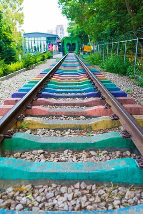 彩虹铁轨的轨道