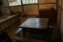 杜甫茅屋饭桌条凳