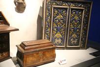 罗马尼亚贵族用 屏风与箱子