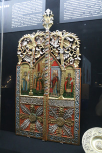 罗马尼亚金色皇冠式油画窗格