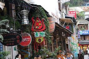 桂林阳朔西街特色酒吧招牌