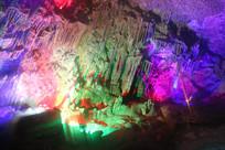 天然形成的钟乳石抽象画