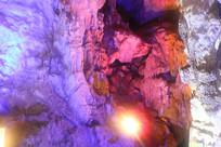 鲜嫩幻彩的石拱门