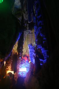 银子岩的水帘洞