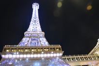 澳门巴黎人的巴黎铁塔夜景建筑