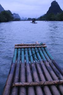 遇龙河上的竹筏特写