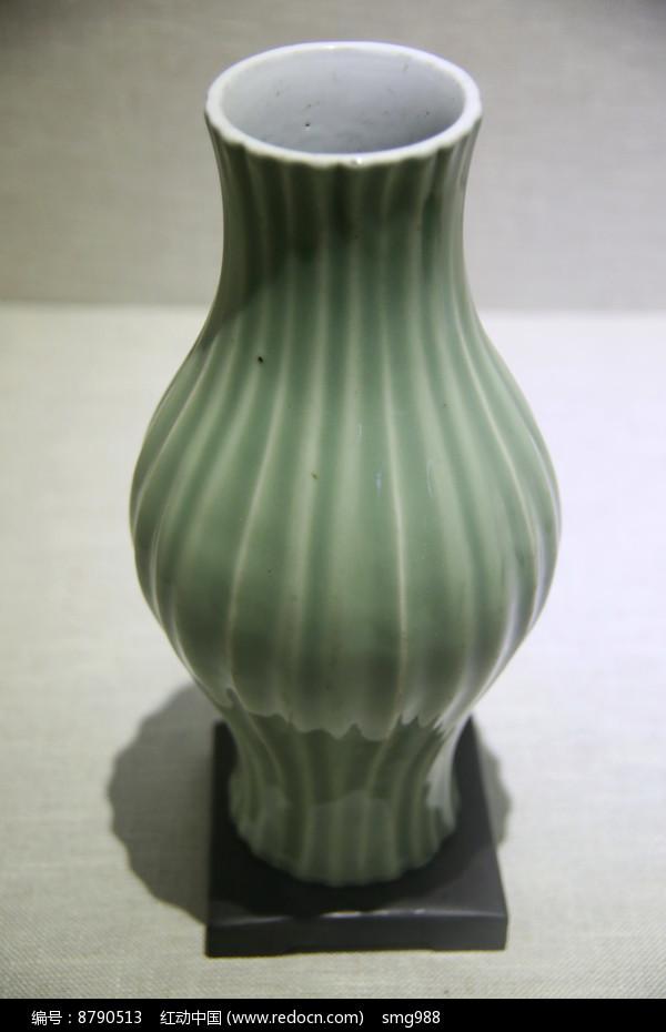 清代景德镇窑东青釉橄榄瓶图片