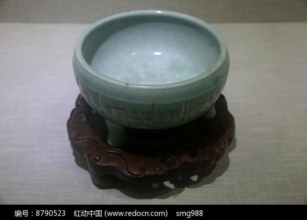 清代青釉印花纹三足炉图片