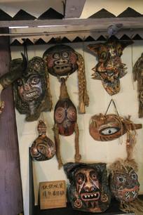 各种木瓢雕刻人脸面具