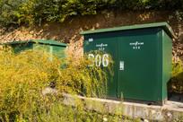 绿色的电力高压箱