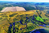 湿地河湾农田风景 (航拍)