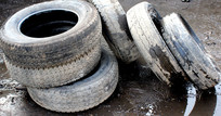破旧的轮胎