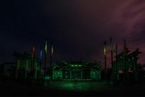夜色下的祠堂建筑光影