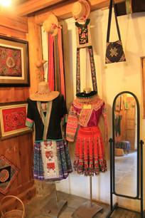 普米族刺绣与精美服饰