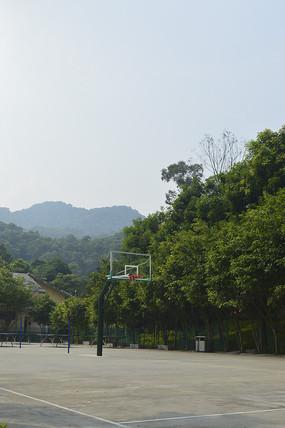 公园篮球场