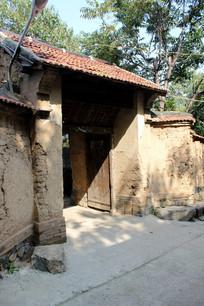 农村老屋和大门