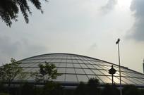 晴空下的广州新体育馆