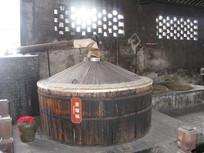 三白酒坊的蒸馏锅