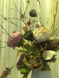 仿真花朵与花枝