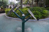 公园腰部揉推器