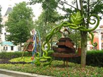 花园里巨大藤蔓雕塑