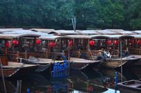 湖边的渔船风景